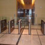 Torniquete para controlo de acessos a Hall